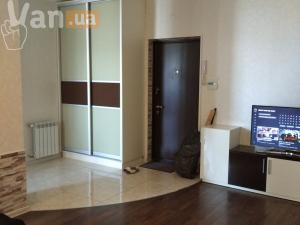 продажатрехкомнатной квартиры на улице Генерала Бочарова